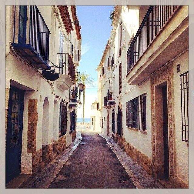 Autor: Vinyet (@vinyet72) Títol: Carrer Carreta Filtre Instagram: Rise. Data de publicació a l'Eco de Sitges: 28 de Febrer de 2014. Secció #5