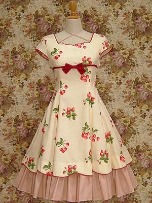Lolita: Mary Magdalene Fraise Sleeve OP This is my ultimate dream dress. I would sell all my clothes for it. It's so hard to find being from 2006