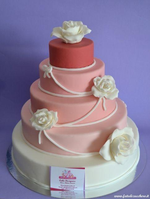 Torta con le Rose: il nostro porzionario in 3D per le torte a piani, con dettagli e numeri interamente modellati a mano