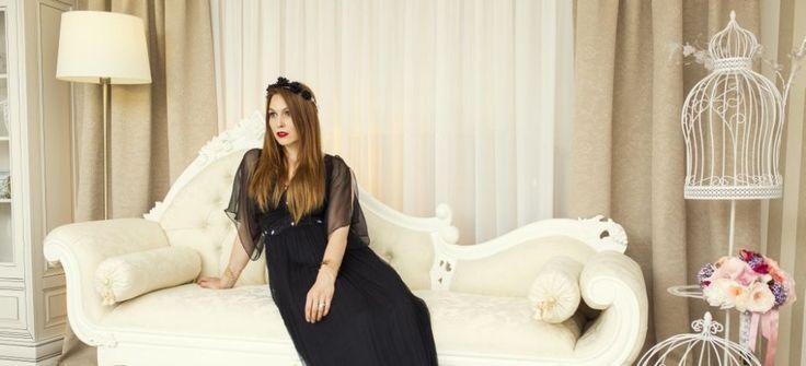 rochie de seara neagra si lenjerie din dantela Uniconf