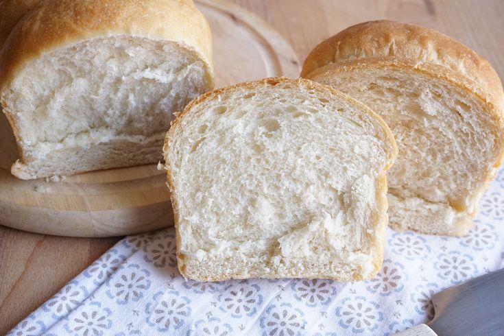La ricetta del pan bauletto con water roux Bimby (Tang Zhong), per un pan bauletto fatto in casa morbido e soffice! Questa ricetta è con farina bianca