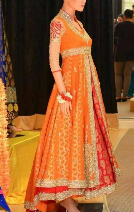 Such a bright and colorful mehndi dress!