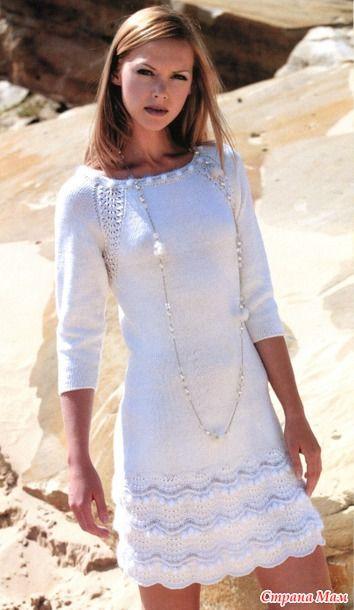 Вязаное платье Размер 44 Модель выполнена спицами.