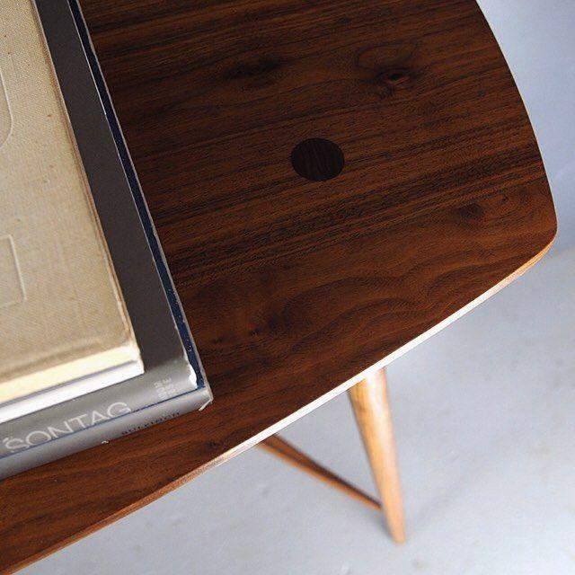 Closeup Shot Of Studio DUNNu0027s Bristol Console Table