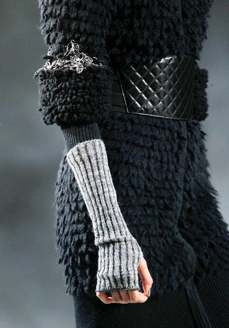 Wrist warmer / fingerless gloves my fav winter accessory