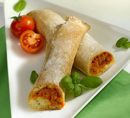 Tomaten-Mozzarellastangen mit QimiQ - für das ausführliche Rezept auf das Bild klicken!