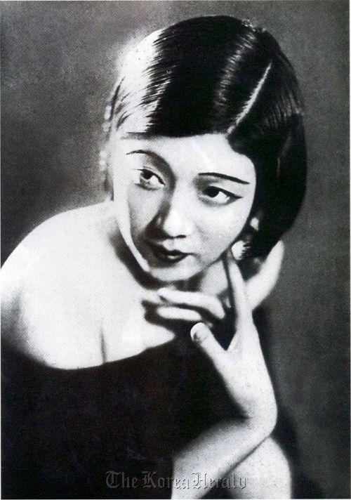 Choi Seung-hee (Hangul: 최승희; November 24, 1911 – August 8, 1969) was a leading Korean modern dancer.