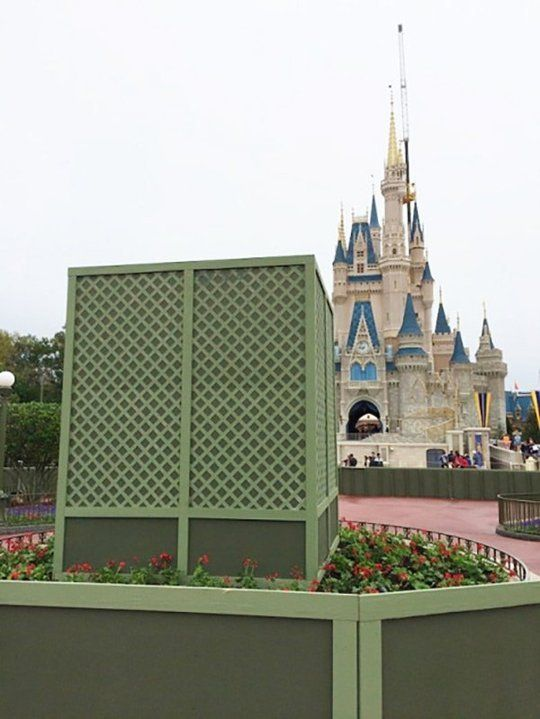 """Paint Tricks: Use Disney's """"Go Away Green"""" 