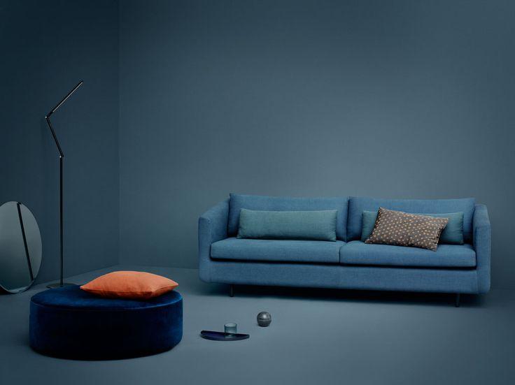 Vores sofa Frederiksberg og puffen No.4 i velour er designet af Christiane  Schaumburg-Müller :)  Find Frederiksberg her: http://dk.sofacompany.com/frederiksberg-3-seater-sofa-dina-petro-navy-metal-legs