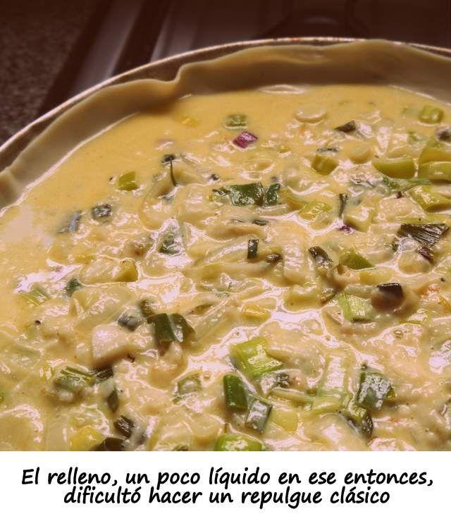 Paulina Cocina (fotoreceta) Tarta de puerros con la suavidad y la textura de la crema de leche. Muy fácil y con pocos ingredientes.