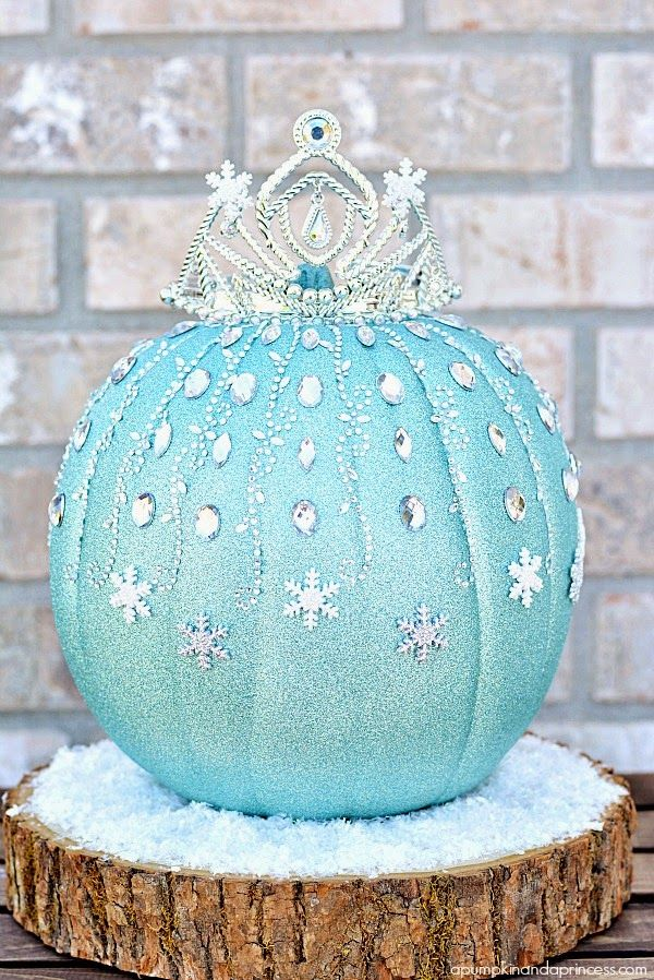 Bows, Pearls & Sorority Girls: Preppy Pumpkin Decorating Ideas