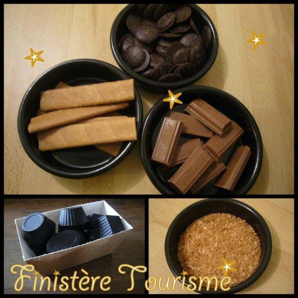 Chocolats noirs fourrés pralinoise et crêpes dentelle.  3 ingrédients.
