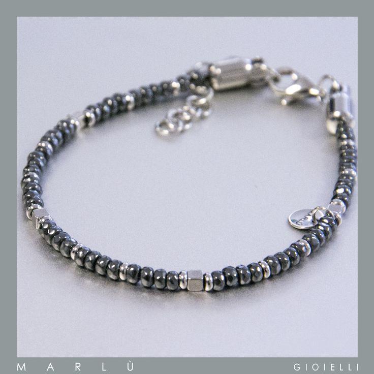 Bracciale in acciaio con perline di ematite della collezione #ManTrendy.  Stainless steel bracelet with beads of hematite#ManTrendy jewelry collection