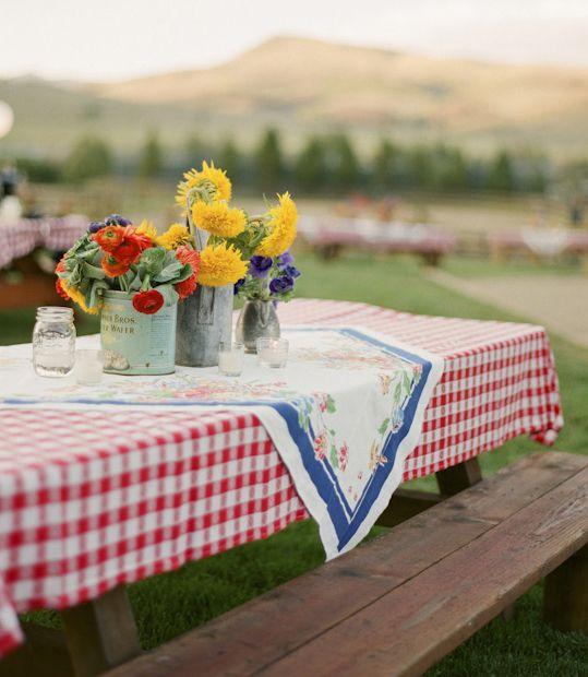 No barbecue is complete without a checkered tablecloth.