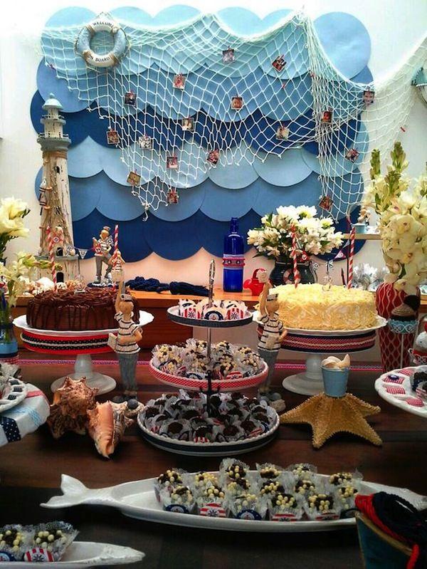 Mesa de doces para festa tema Navy. Ondas, redes, boias e barcos dão um charme especial aos detalhes. Foto: Joyce Torres