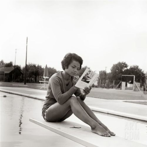 "Eartha Kitt | 1960s Quote, ""I wouldn't bother to describe me. I'm Eartha Kitt."""