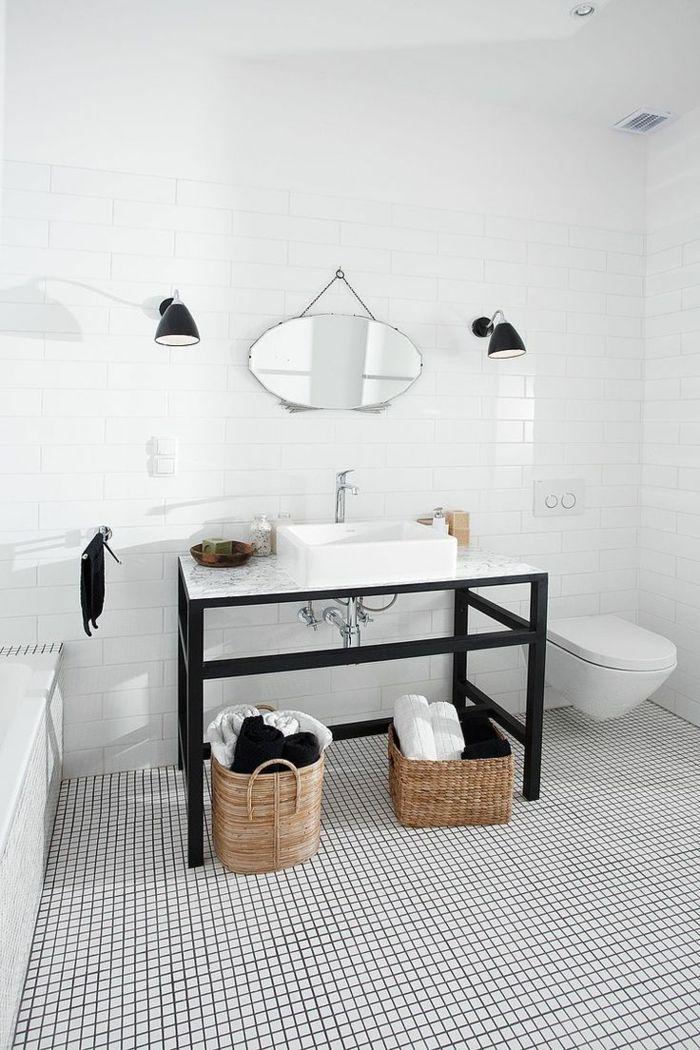le carrelage damier noir et blanc pour la salle de bain elegante