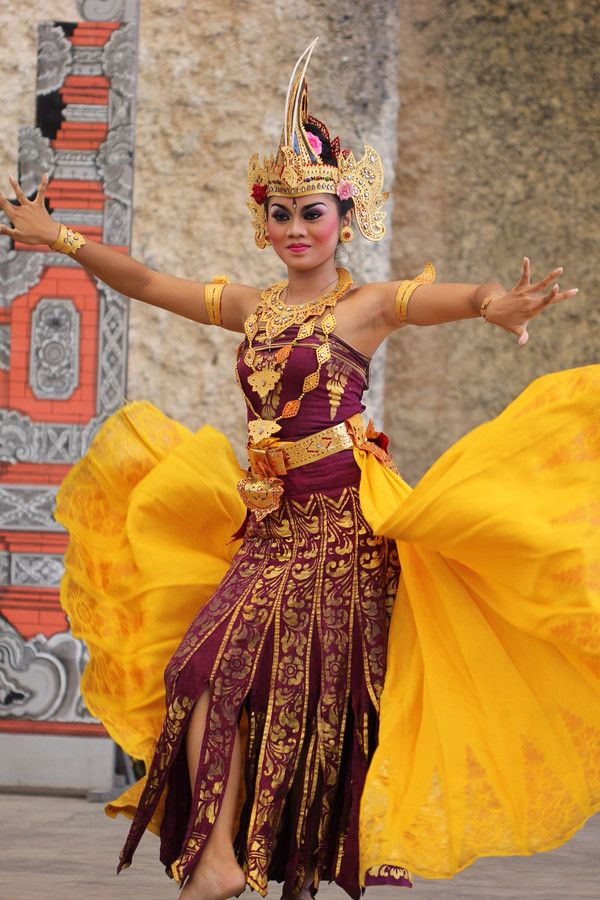 Photo Balinese Dancer by yusron@motret  on 500px