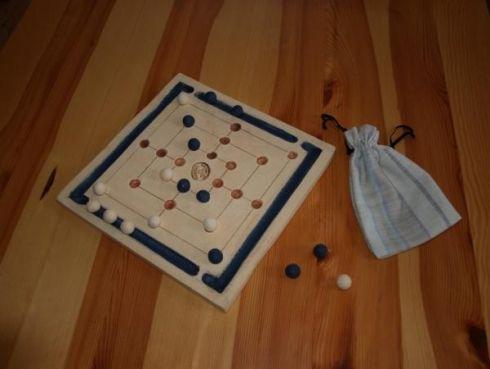 Mlýn - stolní hra - 28 cm x 28 cm