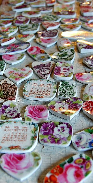 broken china jewelry workshop 5 by Staffordshire Garden / Shari Replogle, via Flickr