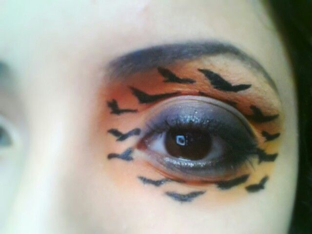 Flying birds make-up