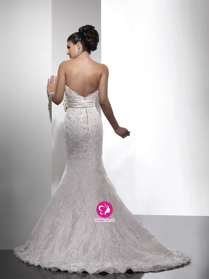 Trumpet/Mermaid Sweetheart Hand-Made Flower Sleeveless Sweep/Brush Train Lace Wedding Dresses (UK0257925)