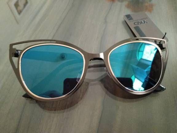 a24fb9d63fc3e A moda do óculos de sol gatinho espelhado está super em alta! te deixa mais