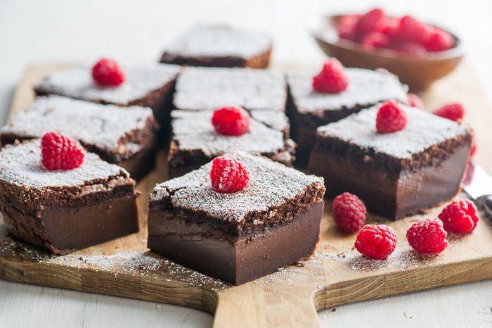 Gâteau Magique au chocolat thermomix. Voici une autre variante de Gâteau Magique, cette fois c'est au chocolat, une recette rapide et facile