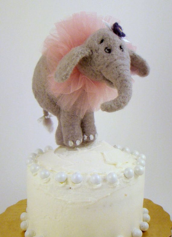 elephant baby showers baby shower cakes circus cakes cakes toppers