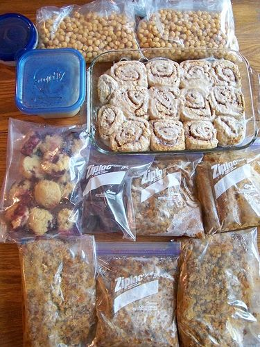 """Freezer Cooking in an """"Hour"""": Taco Meat, Healthy Peanut Butter Fudge, Whole-Wheat Blueberry Streusel Muffins"""