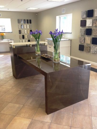 Gris Pulpis Neolith shown in both a honed and polished finish