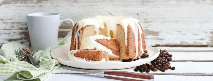 Wow your guests with this gorgeous java-spiked bundt cake infused with our Coffee Pu'erh tea. It's rich, moist and oh-so satisfying.