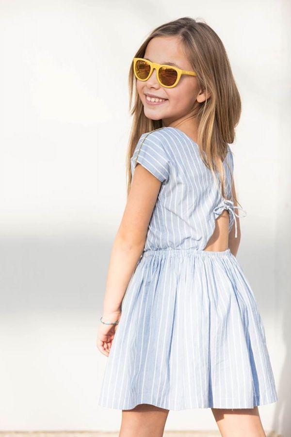 Me apasiona la Moda infantil. Si quieres ver los conjuntos de moda infantil de verano, la ropa de invierno, los vestidos más bonitos y originales para niñas estás en el blog adecuado. Descubre la mejor moda para niños, las mejores marcas de ropa para niños, la moda italiana infantil, la moda belga, la moda española para niños y un larguísimo etcétera.