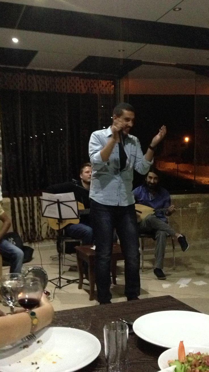 Oyunculardan Erkam Aydar geceye şarkılarıyla renk kattı  www.showtv.com.tr/  twitter.com/ShowTV