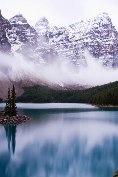 nordvarg:  Fall at Moraine Lake \\ Raymond Cooper