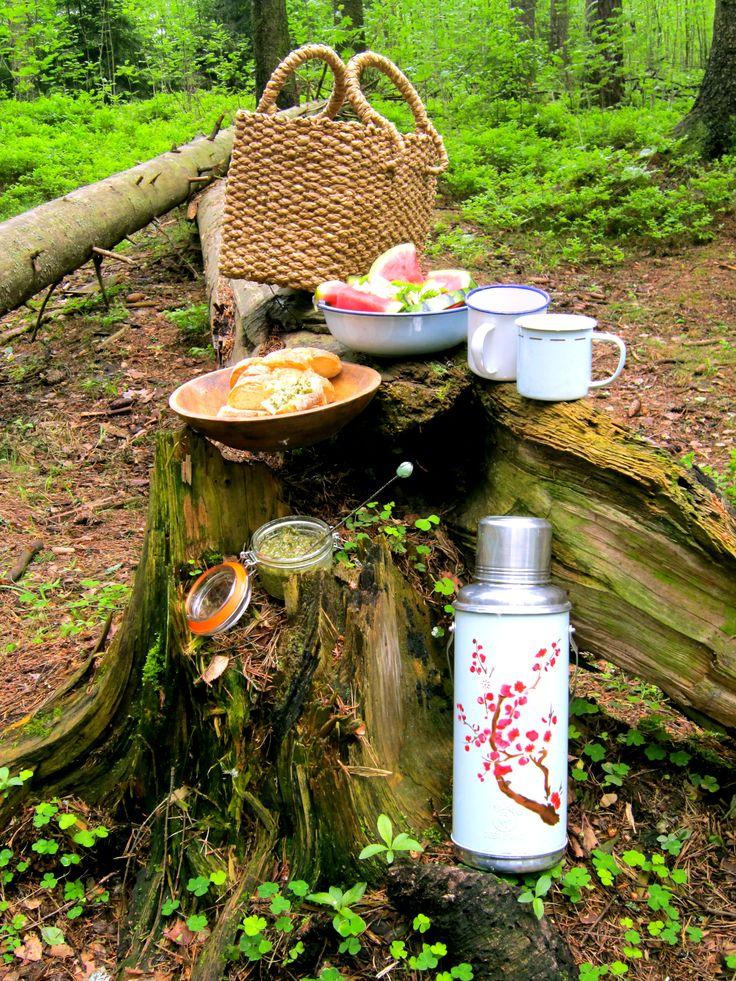 """rain or shine - life is a picnic"""