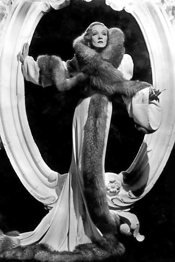 """Marlene Dietrich"" Athena, can I look like this tonight?"