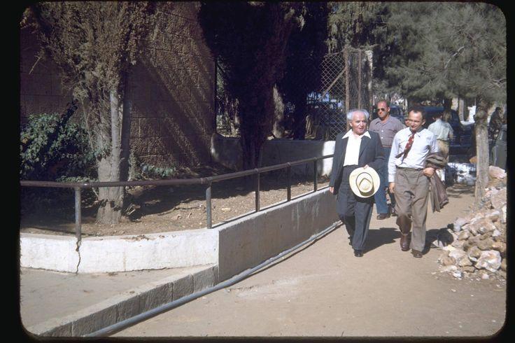 Prime minister David Ben Gurion walking to the Gymnasia in Jerusalem, 1950. Katcoff collection.