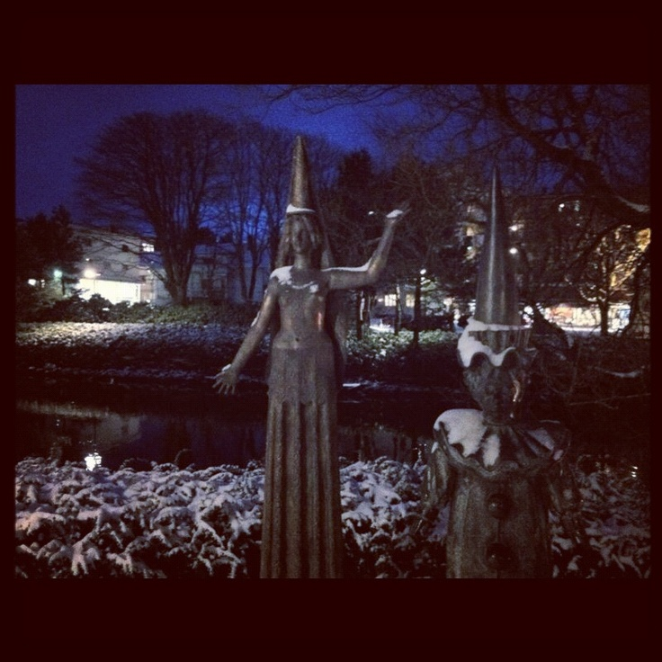 Two of the beautiful sculptures by Fritz Røed, located in Bryne.  #bryne #jæren #regionstavanger #norway