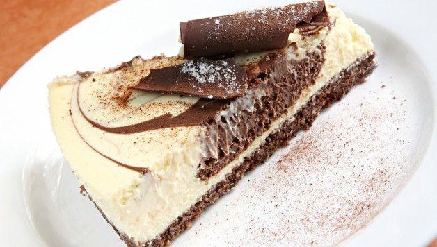 Cheesecake al triplo cioccolato http://www.stilefemminile.it/cheesecake-al-triplo-cioccolato/
