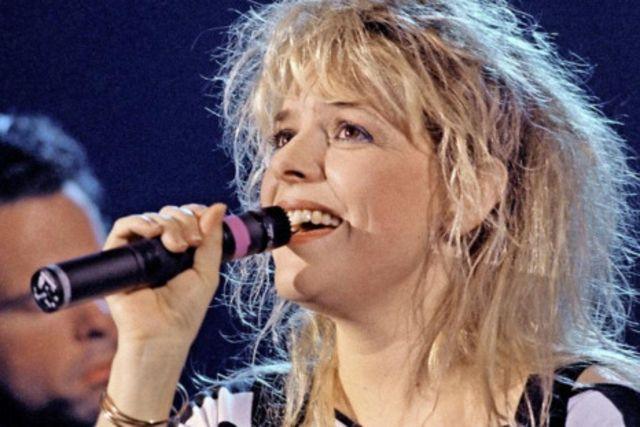 La chanteuse est sacrée meilleure interprète féminine de l'année aux «Victoires de la Musique» , en 1987. AFP/ Bertrand Guay