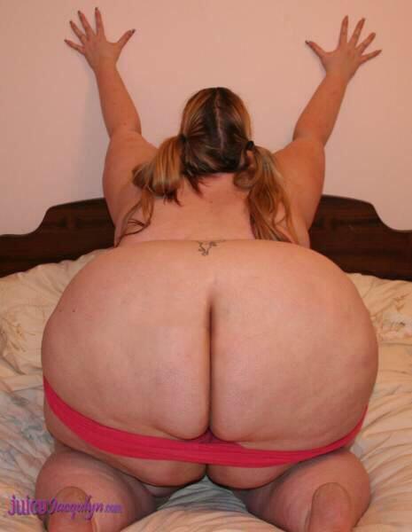 Chubby pornstar anal gape