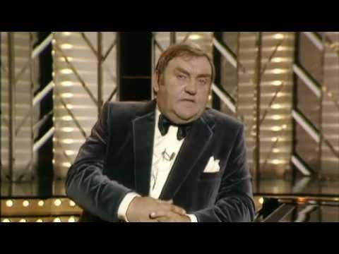 Les Dawson - An Audience With That Never Was - YouTube