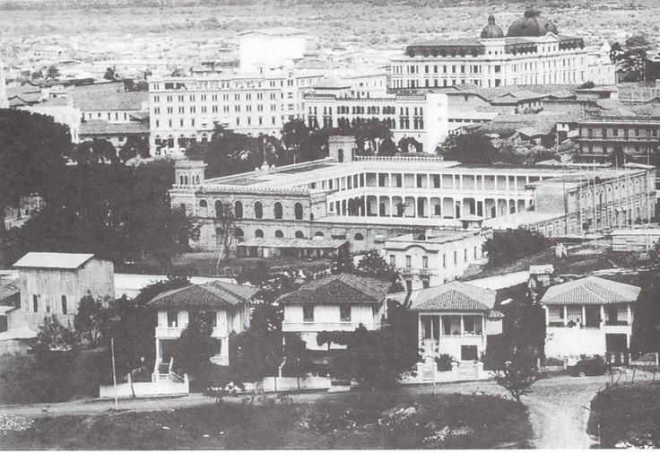 Luisfer Martinez. CALI VIEJO - Memoria fotogràfica.  Panorámica desde la Lomas de Juananbu en 1.950