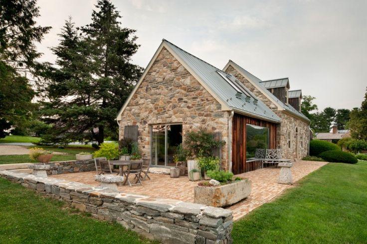 piękny dom z na turalnego kamienia i drewna z bajecznym ogrodem - Lovingit.pl