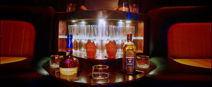 Barek z alkoholem podczas imprezy w PARTYBUS