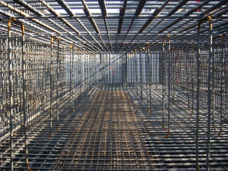 // Arata Isozaki + Andrea Maffei / citylife tower under construction / Milano