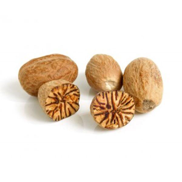 La noix de muscade : épice utilisé depuis plus de 2000 ans, elle possède à haute dose des effets psychotropes et hallucinogènes se rapprochant du LSD.