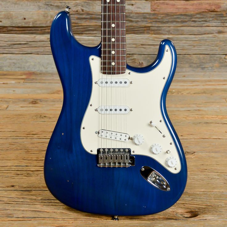 Fender Highway One Stratocaster Transparent Blue 2002 (s587)