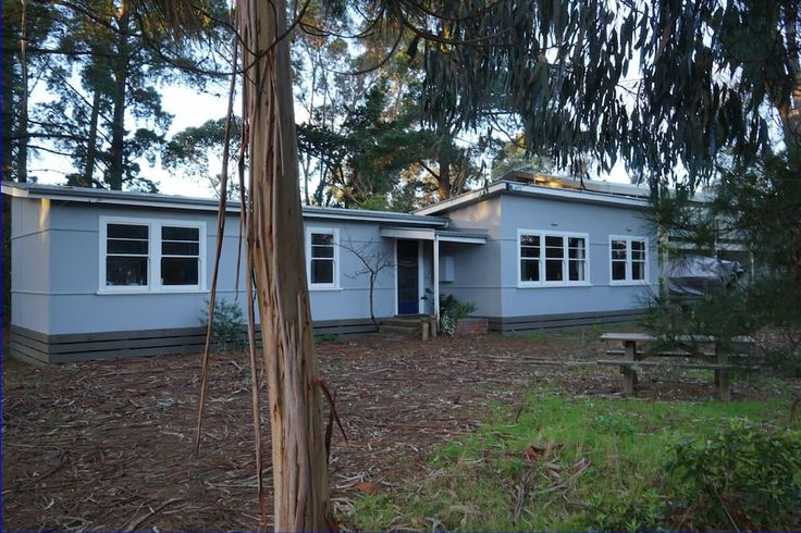 House in Somers, Australia. Once a beach shack, became an artist's studio, then rescued as a comfortable home and holiday escape, close to the beach and Somers General Store Cafe. A wonderful place to sit  and relax, walk on the beach or explore local wineries and farm produ...